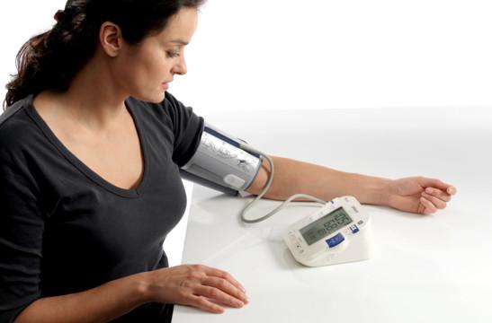 cách sử dụng máy đo huyết áp tại nhà